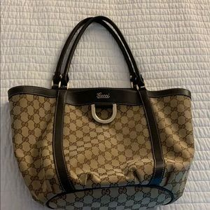 Beautiful Gucci D Ring purse